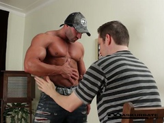 Huge muscles stripper max getting worshipped by horny fellow