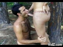 Hawt tranny slut copulates stud in the woods
