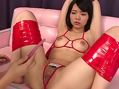 Asian hotty from this action knows what's what in bounding