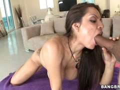 Yurizan Beltran shoves a subrigid wang down her face hole
